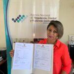 Entregan notificaciones sanitarias a emprendedores de Morona Santiago, Azuay y Cañar